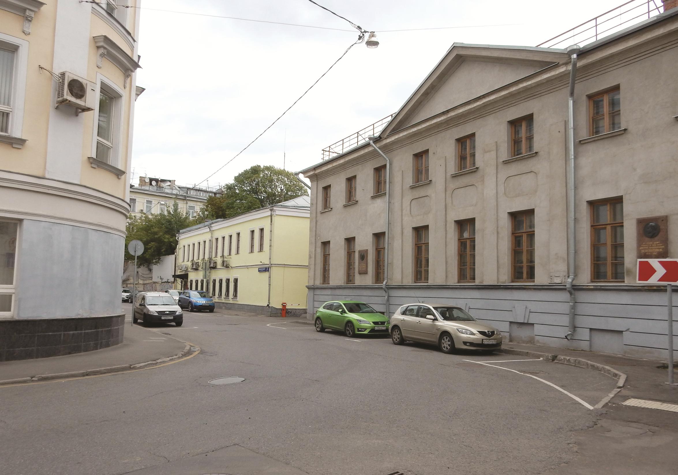 Заброшенный памятник московской старины